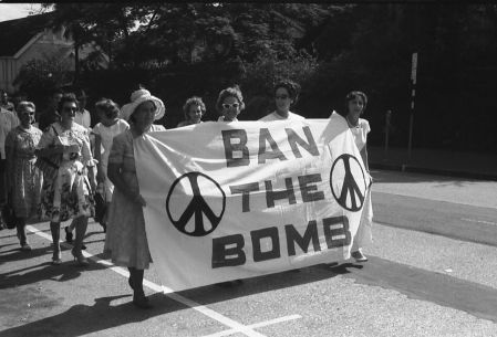 web_n09_Ban_Bomb